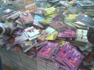 Tumpukan buku metropop